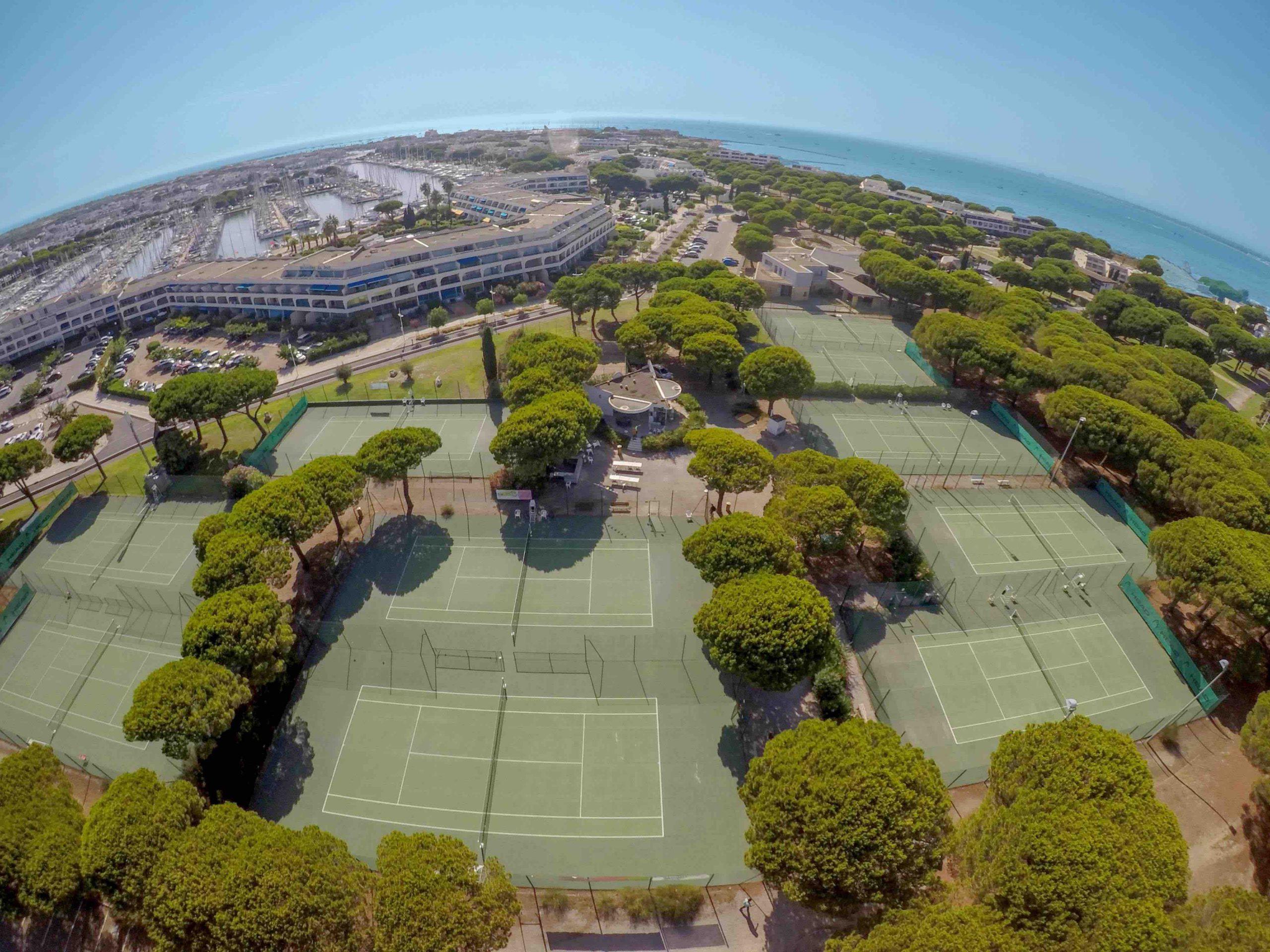CLUB DE TENNIS - PORT CAMARGUE